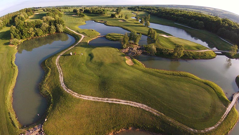 article-blog-golfy-crecy-stage-5 Best Golfs 2020 par Fairways magazine : une belle présence Golfy!