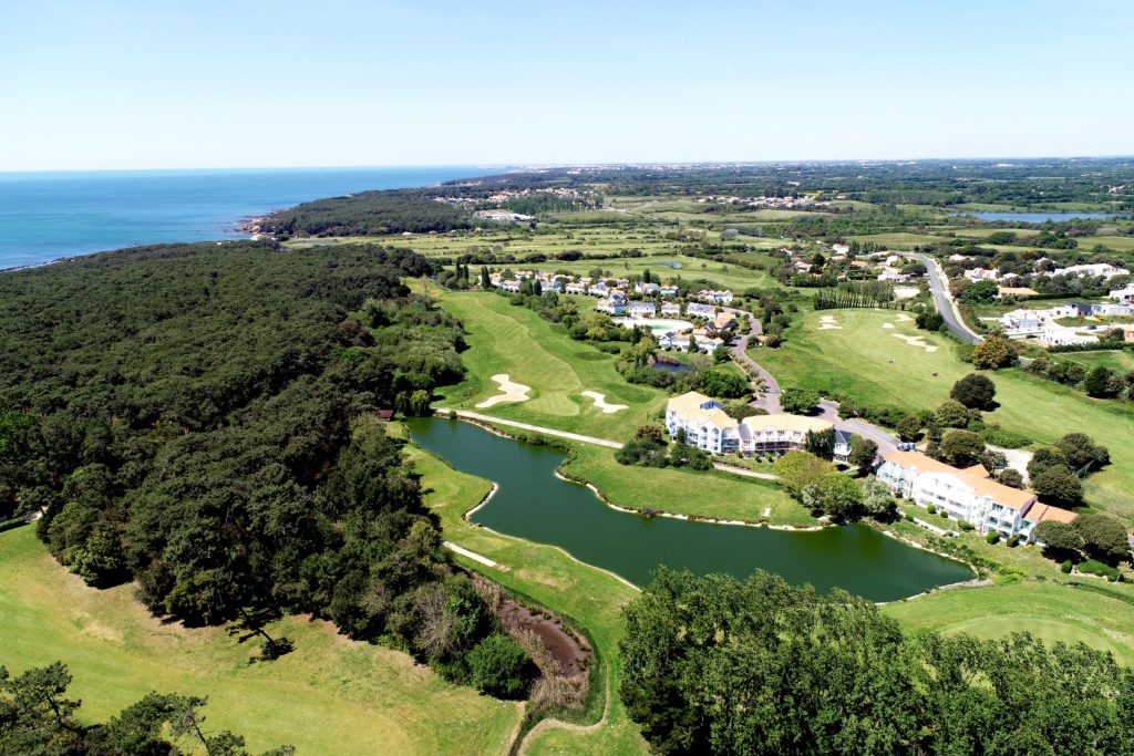 Article-blog-golfy-bourgenay-1-5-1024x683 Bourgenay Golf Club : une nouvelle vie...